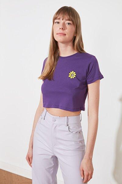 Mor Nakışlı Crop Örme T-Shirt TWOSS21TS1649