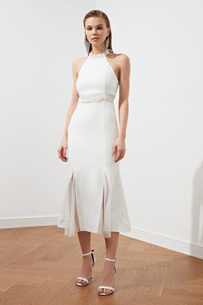 Ekru Aksesuar Detaylı Elbise TPRSS20EL1204