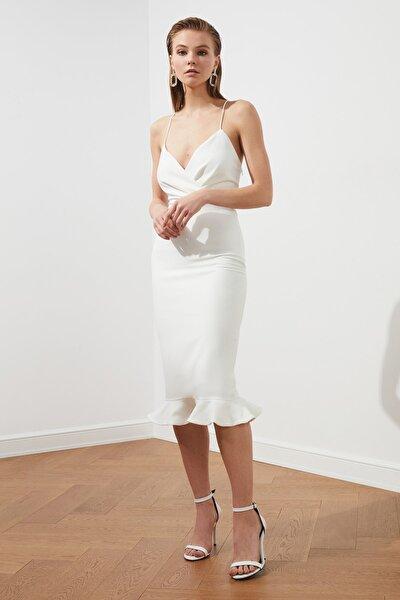 Ekru Sırt Detaylı Elbise TPRSS19BB0043