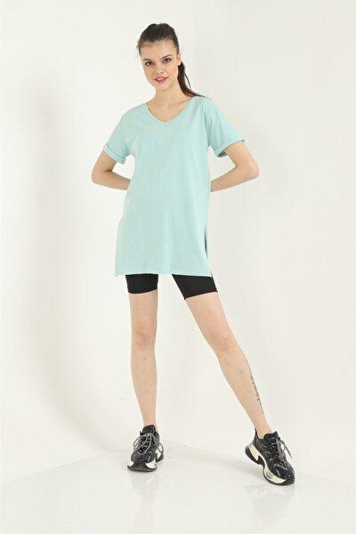 Kadın Su Yeşili Yırtmaçlı V Yaka T-shirt