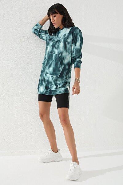 Yeşil Kadın Karışık Desenli Büzgü Detaylı Rahat Form Kapüşonlu Sweatshirt-97131