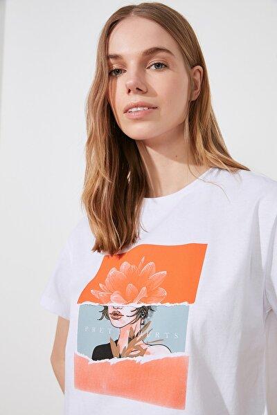 Beyaz Baskılı Semifitted Örme T-Shirt TWOSS20TS0560