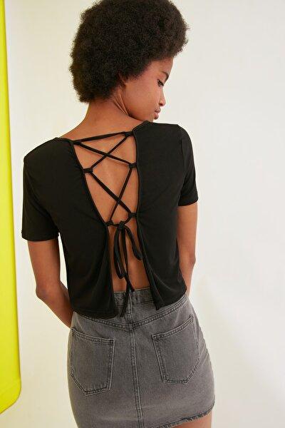 Siyah Sırtı Bağlama Detaylı Örme Bluz TWOSS21BZ0650