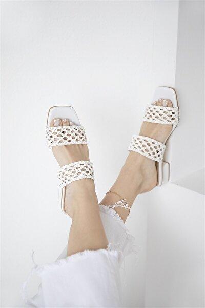 Kadın Beyaz Hasır Detay Topuklu Sandalet
