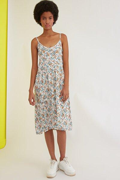 Çok Renkli Askılı Çiçek Desenli Elbise TWOSS21EL0947