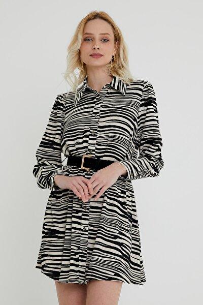 Kadın Siyah Ve Beyaz Zebra Desenli Kemerli Düğme Kapama Viskon Elbise