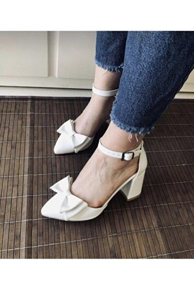 Beyaz Topuklu Fiyonk Modellı Kadın Ayakkabısı