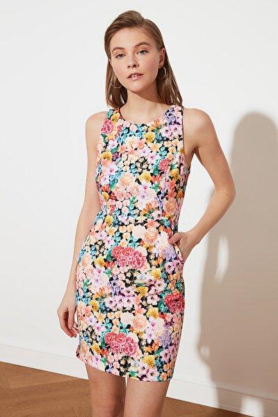 Çok Renkli Desenli Kolsuz Elbise TWOSS21EL2269