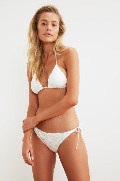 Beyaz Dantelli Bikini Takımı TBESS21BT0001
