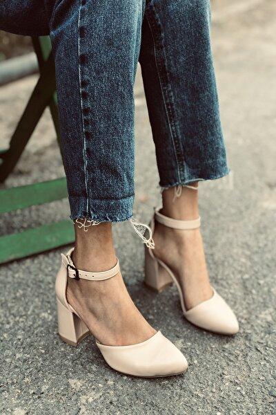 Kadın Bej Cilt Bilekten Bağlamalı Topuklu Ayakkabı