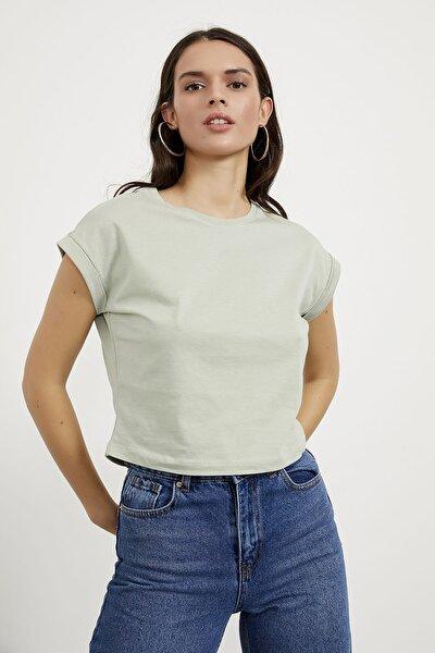Kol Katlamalı Crop Tişört