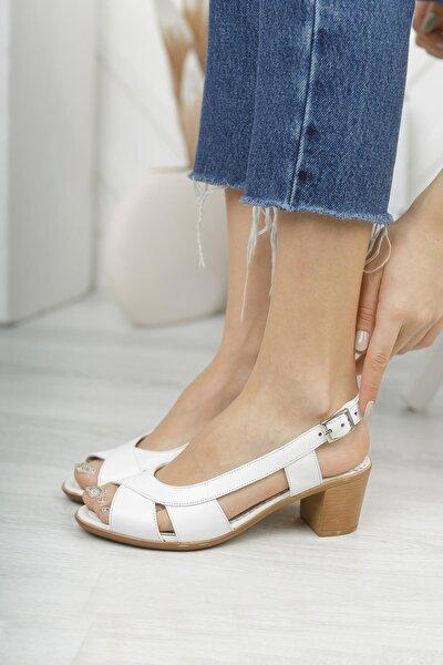 Kadın Beyaz Hakiki Deri Sandalet