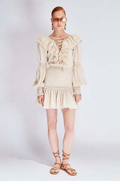 Bej Gipe Detaylı Dantel Aksesuarlı Elbise TDPSS21EL0725