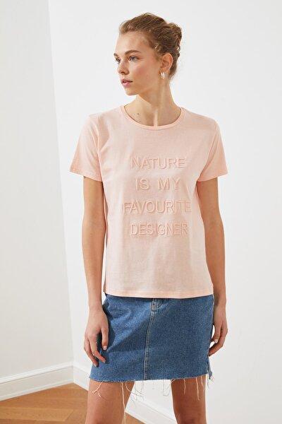 Pembe Nakışlı Basic Örme T-shirt TWOSS19VG0149