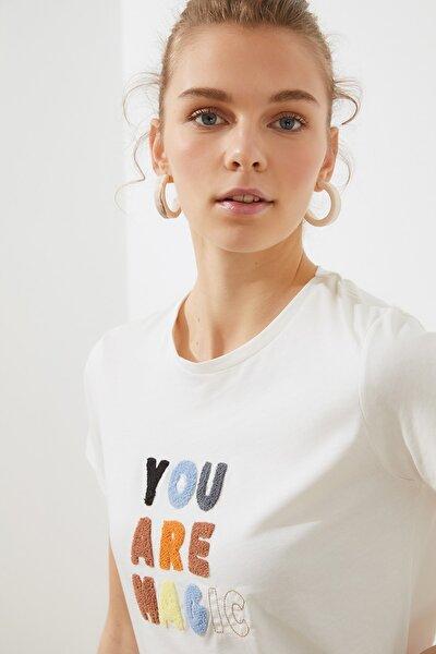 Krem Nakışlı Basic Örme T-Shirt TWOSS20TS0498