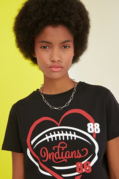 Siyah Baskılı Crop Örme T-Shirt TWOSS21TS0992