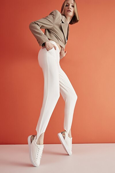 Beyaz Kadın Sneaker 01AYY204940A903