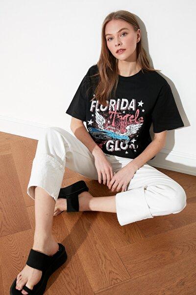 Siyah Baskılı Boyfriend Örme T-Shirt TWOSS21TS1840