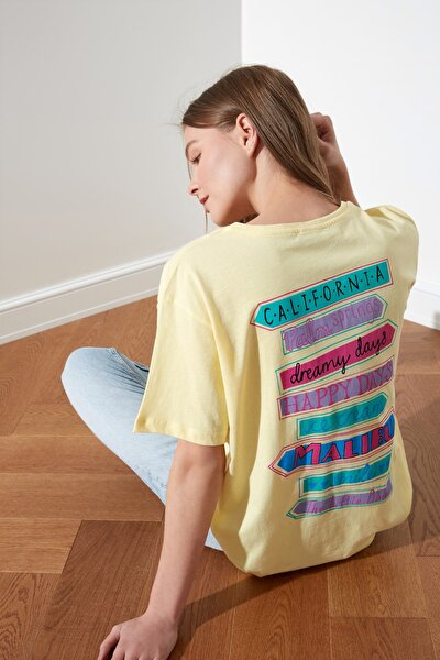 Sarı Baskılı Boyfriend Örme T-Shirt TWOSS21TS0135