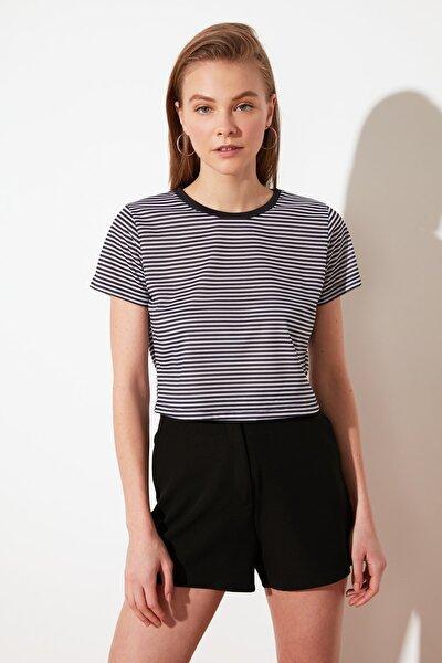 Siyah Çizgili Crop Örme T-Shirt TWOSS21TS0902