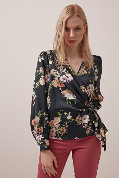 Anvelop Kesim Çiçek Desenli Bluz - Siyah
