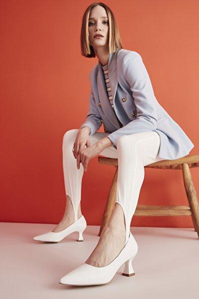 Beyaz Kadın Klasik Topuklu Ayakkabı 01AYH205380A900