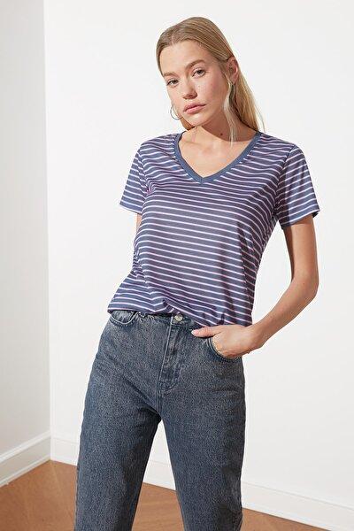 Indigo Çizgili Basic V Yaka Örme T-Shirt TWOSS21TS0903