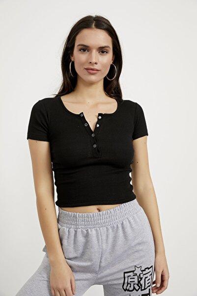 Kadın Siyah Yaka Çıtçıt Detaylı Kaşkorse Bluz