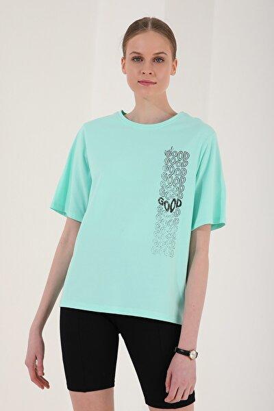 Kadın Mint Yeşili Deforme Yazı Baskılı Oversize O Yaka T-shirt   97134