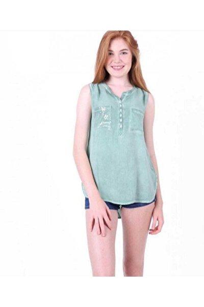 Kadın Yeşil Cep Pullu Kolsuz Yakma Keten Bluz