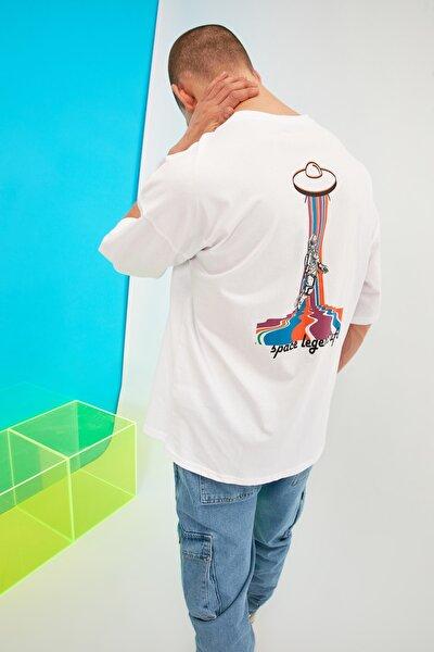 Beyaz Erkek Oversize Bisiklet Sırt Baskılı Kısa Kollu T-Shirt TMNSS21TS0754