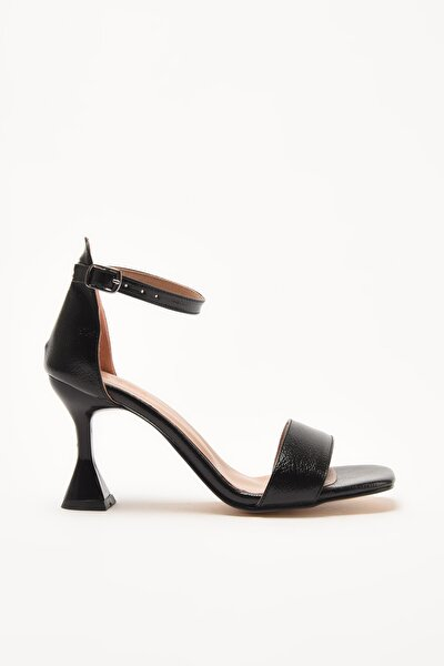 Siyah Kadın Sandalet 01SAY209010A100