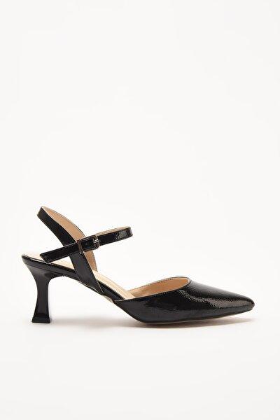 Siyah Kadın Klasik Topuklu Ayakkabı 01AYH214400A100