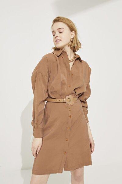 Kadın Kahve Gömlek Yaka Pileli Uzun Kollu Elbise