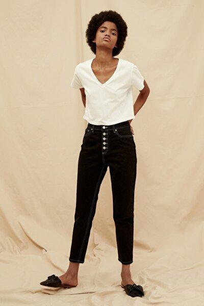 Siyah Önden Düğmeli Kontrast İplikli Yüksek Bel %100 Organik Pamuk Mom Jeans TWOSS21JE0306