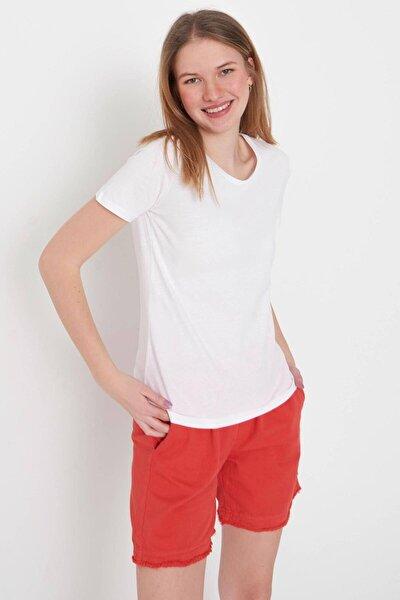Kadın Beyaz Bisiklet Yaka Basic Tişört Adx-0000020824