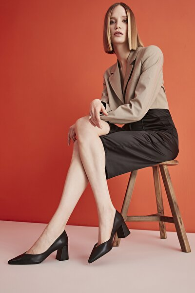 Siyah Kadın Klasik Topuklu Ayakkabı 01AYH193860A100