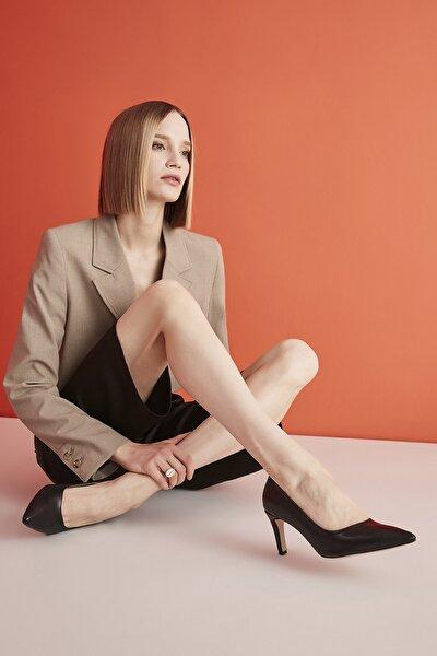 Siyah Kadın Klasik Topuklu Ayakkabı 01AYH207110A100