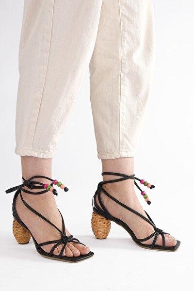 Kadın Siyah İpli Topuklu Sandalet Cukve