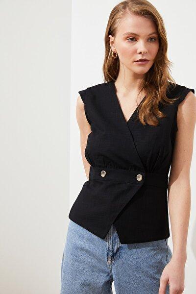 Siyah Kemik Düğme Detaylı Bluz TWOSS20BZ0707