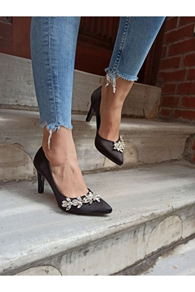 Kadın Siyah Saten Yaprak Taş Ince Topuk Ayakkabı