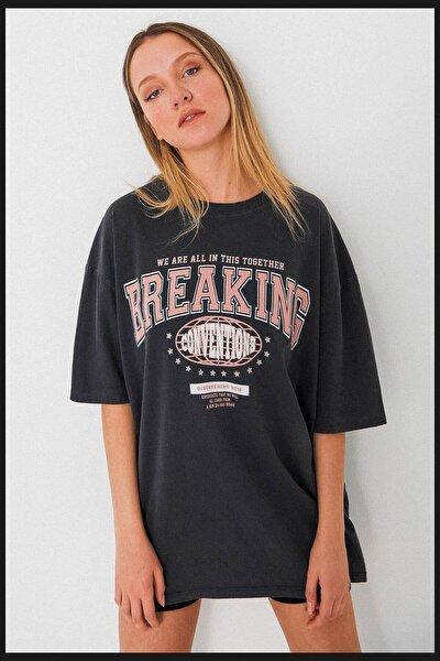 Kadın Füme Baskılı Oversize T-Shirt p9555 - İ12 ADX-0000024010
