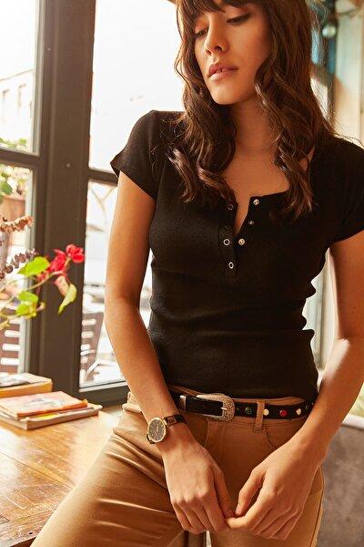 Kadın Siyah Çıtçıtlı Kaşkorse T-Shirt BLZ-19000171