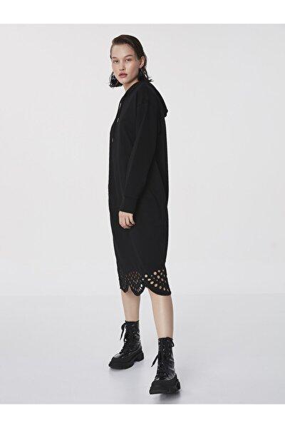 Fisto Detaylı Elbise