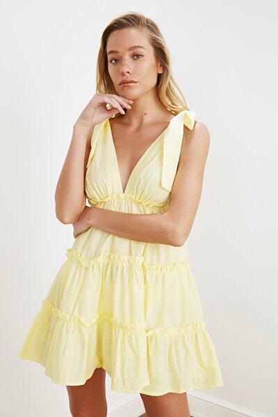 Sarı Bağlama Detaylı Plaj Elbisesi TBESS21EL3270