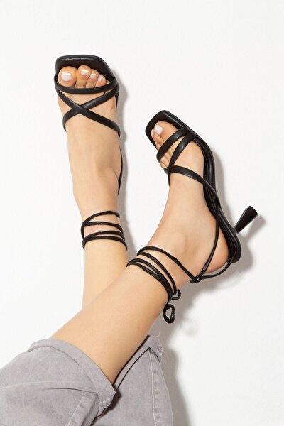 Kadın Siyah Topuklu Ayakkabı  byc1702