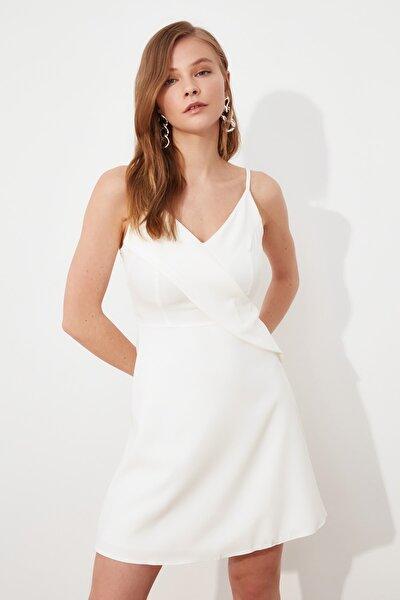 Beyaz Volanlı Elbise TWOSS20EL1123