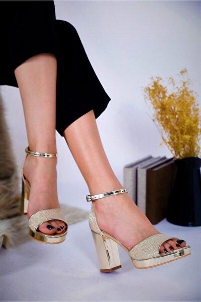 Kadın Altın Rengi Kalın Topuklu Platform Abiye Ayakkabı
