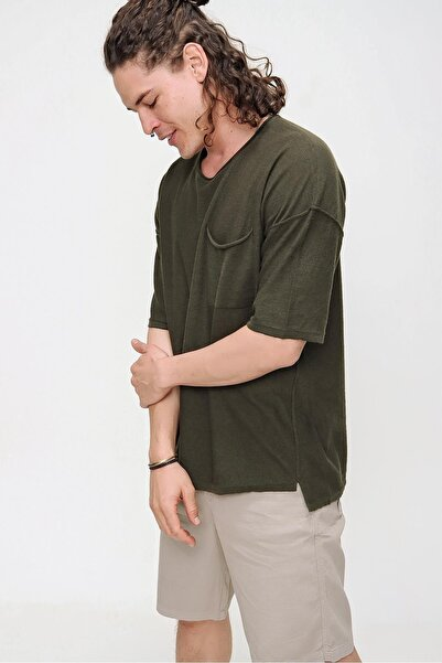 Erkek Haki Bisiklet Yaka Oversize Cep ve Daralan Kesim Detaylı Pamuklu Triko T-shirt 21s203