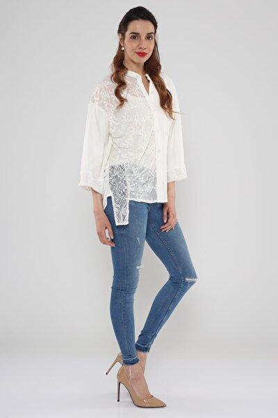 Kadın Beyaz Dantel Detaylı Önden Düğmeli Gömlek  Hn814